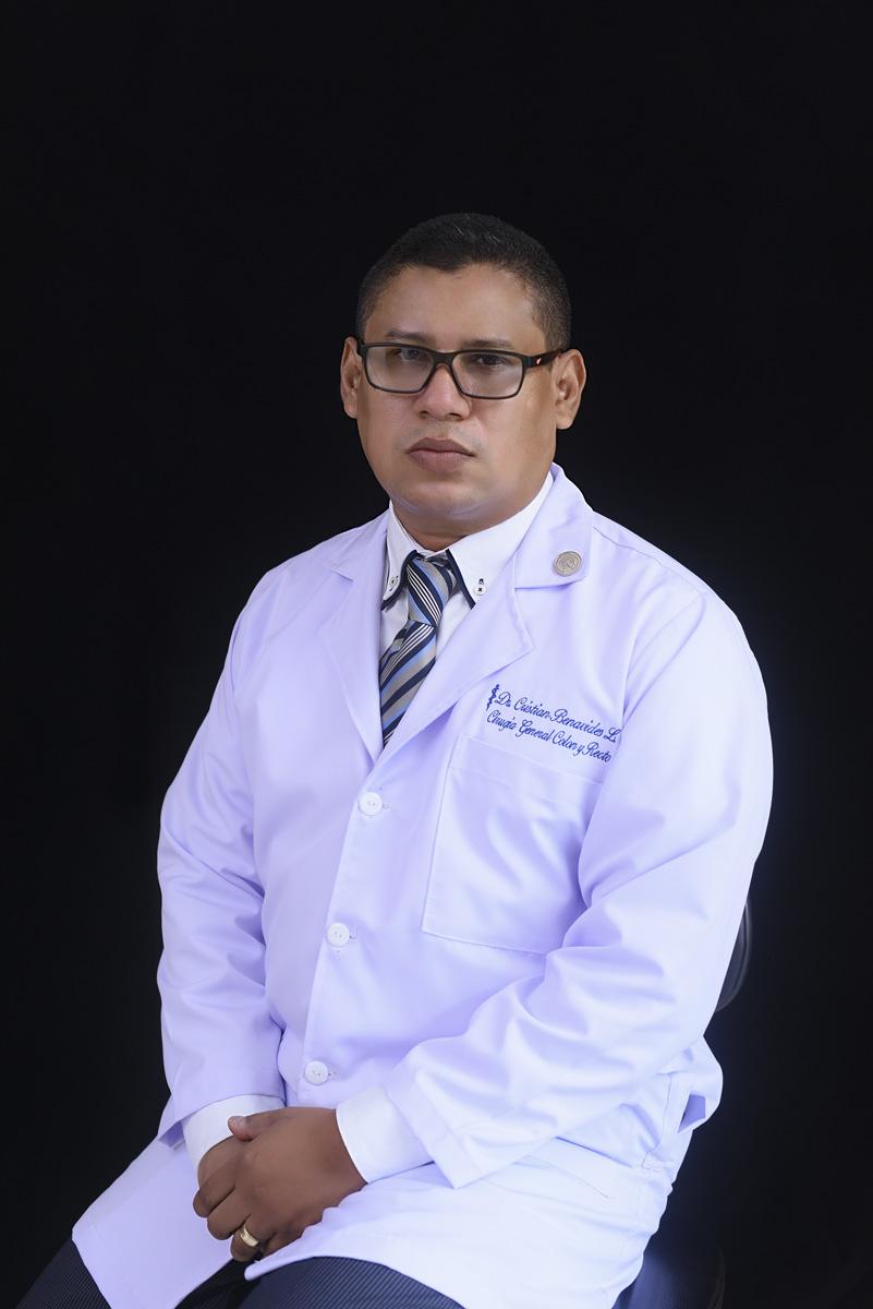 <b>Dr. Cristian José Benavides</b>