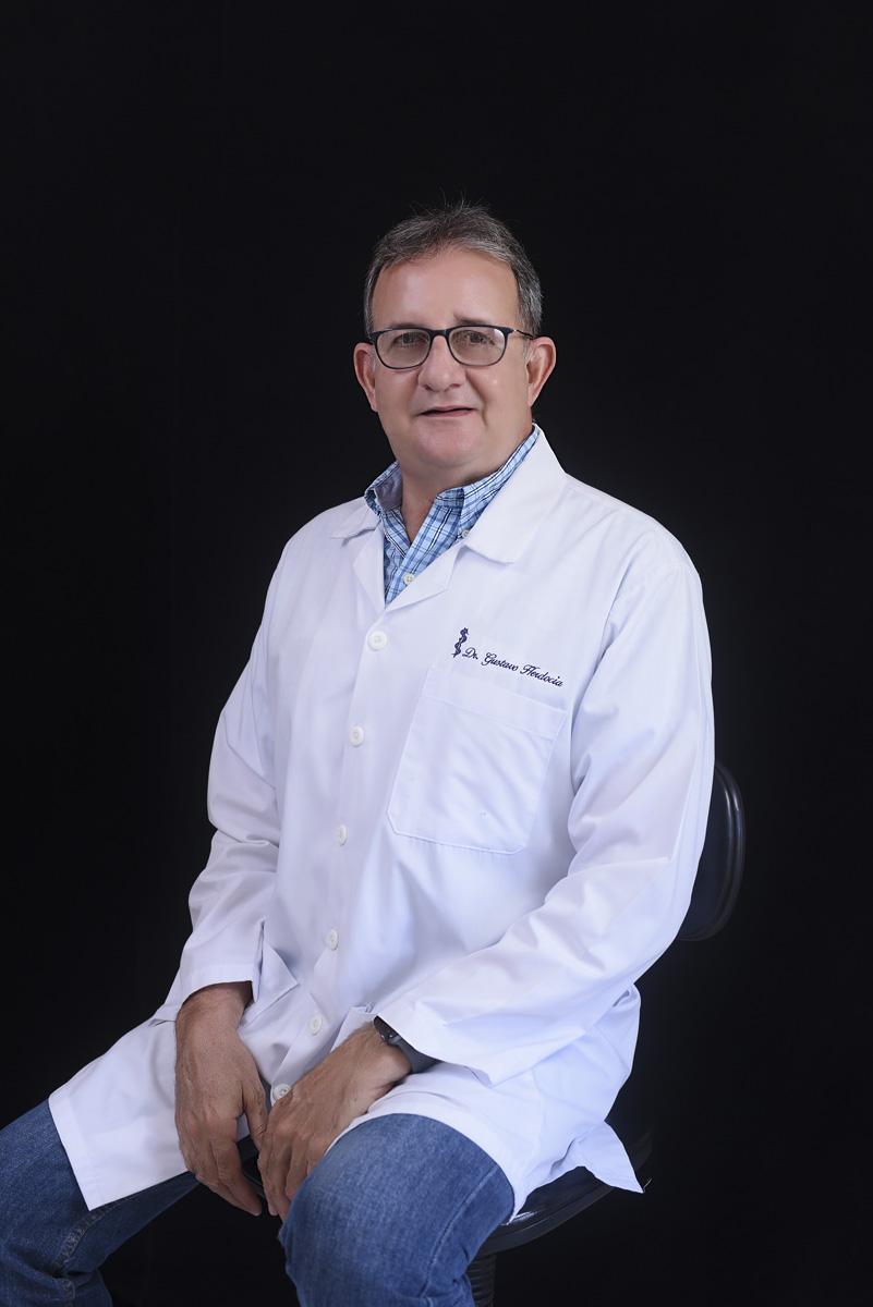 <b>Dr. Gustavo Herdocia Baus</b>