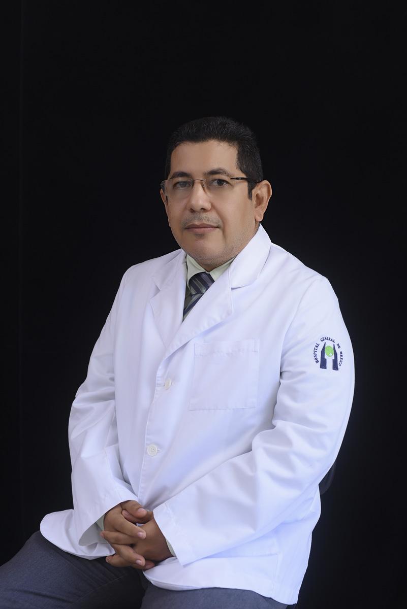 <b>Dr. Tomas Berríos Quezada</b>