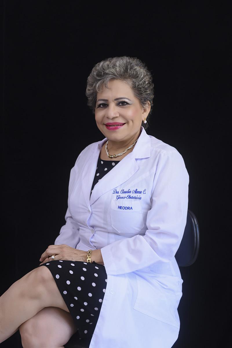 <b>Dra. Claudia Alonso Cuevas</b>